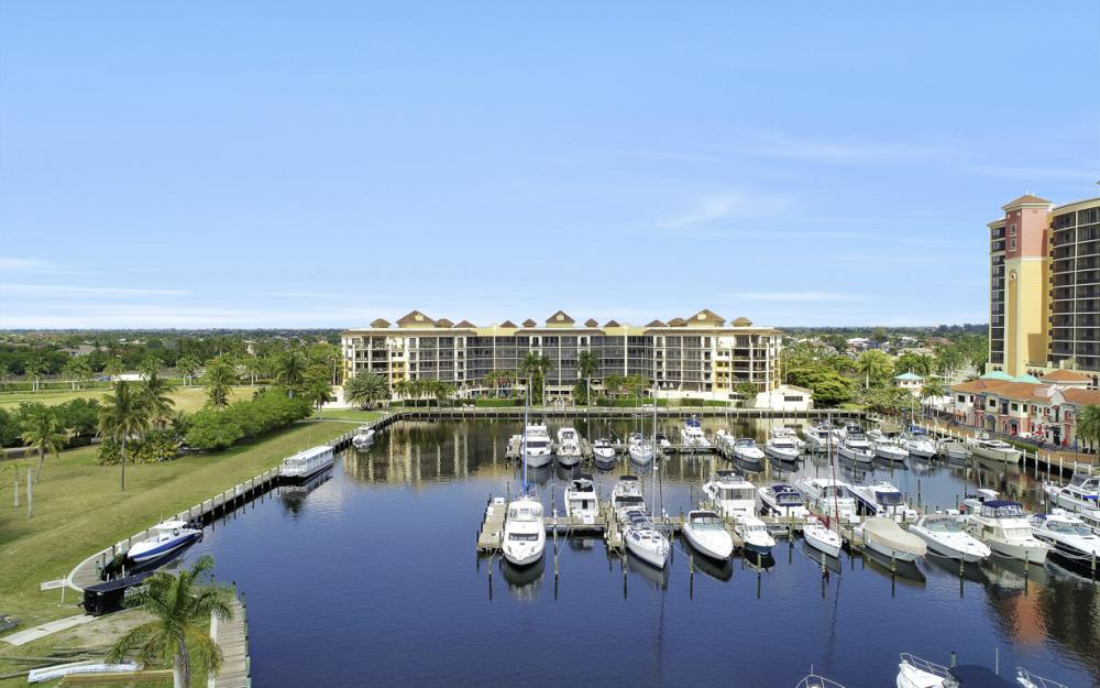 5704 Cape Harbour Dr #106, Cape Coral - Condo For Sale 907894836
