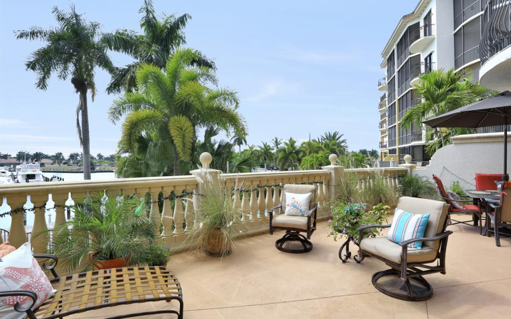 5704 Cape Harbour Dr #106, Cape Coral - Condo For Sale 1716874109
