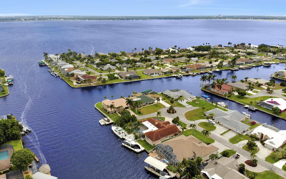 2047 SE 28th Ter, Cape Coral - Home For Sale 1268027705