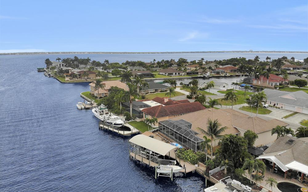 2047 SE 28th Ter, Cape Coral - Home For Sale 481018663