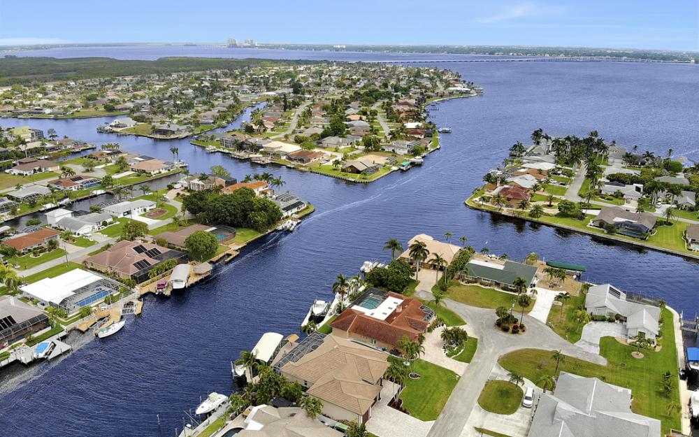 2047 SE 28th Ter, Cape Coral - Home For Sale 1429849594