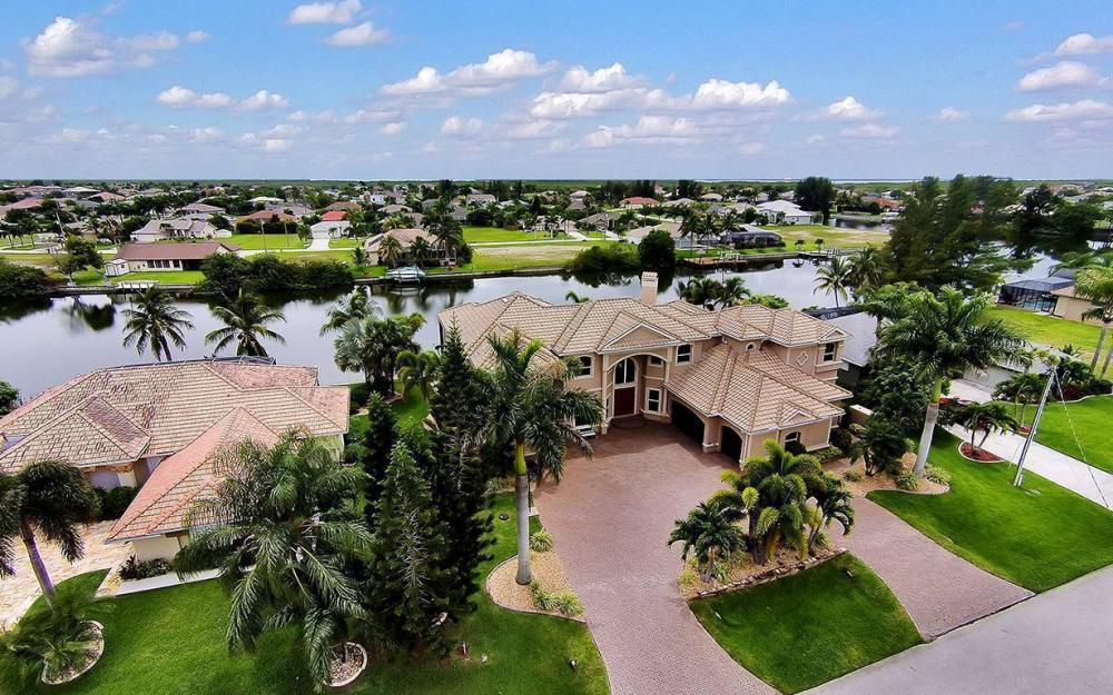 3018 SW 26th Ct, Cape Coral - House For Sale 954836075