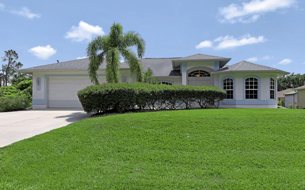 120 Jacaranda Pkwy E, Cape Coral - Home For Sale 901799057