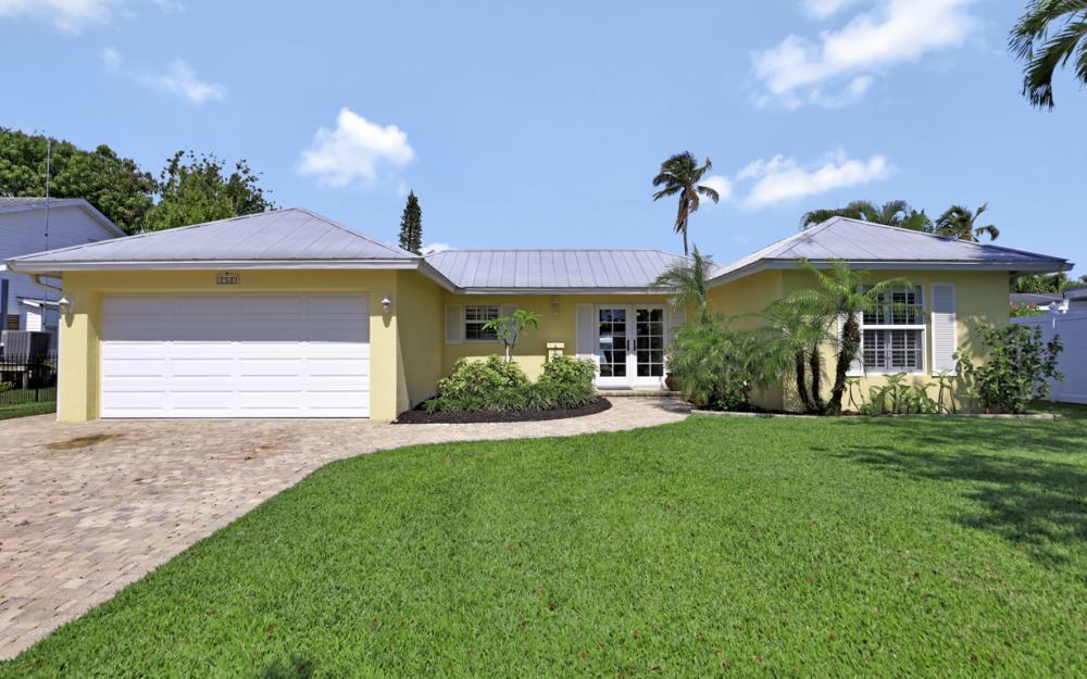 1765 Harbor Ln, Naples - Home For Sale 1931388584