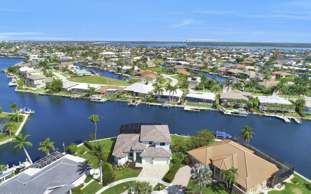198 Leeward Ct, Marco Island - Home For Sale 1945316047