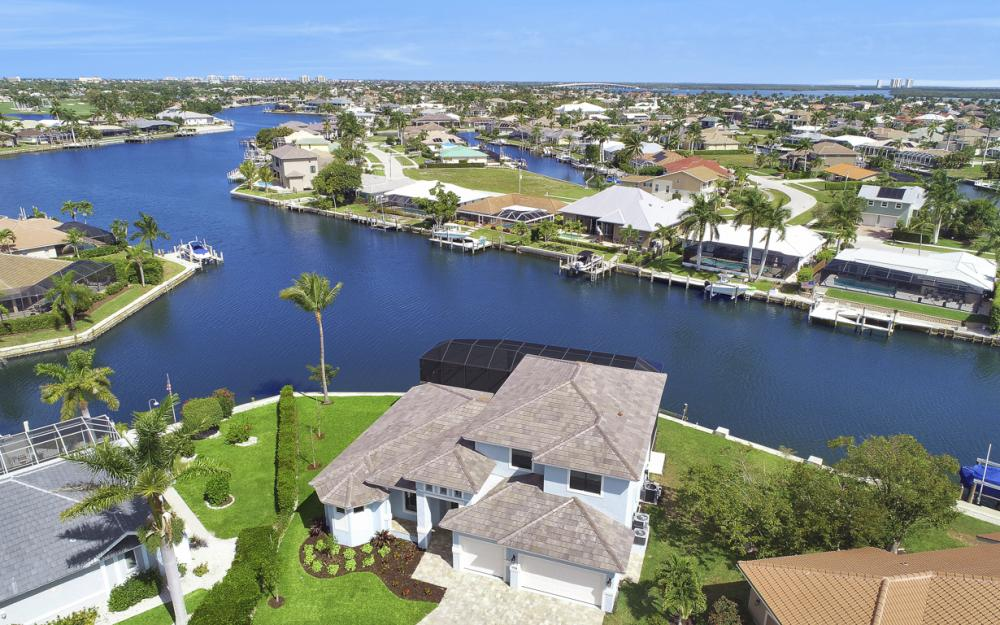 198 Leeward Ct, Marco Island - Home For Sale 2003237254