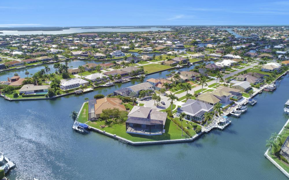 198 Leeward Ct, Marco Island - Home For Sale 1325210736