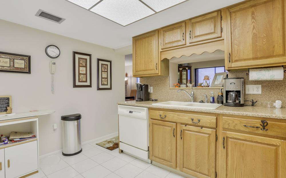 1920 Virginia Ave #1202, Fort Myers - Condo For Sale 718572736