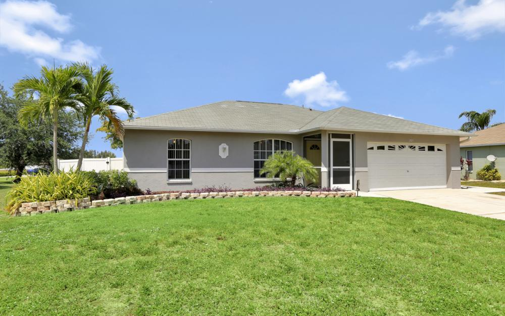2821 NW 7th Ter, Cape Coral - Home For Sale 346647143