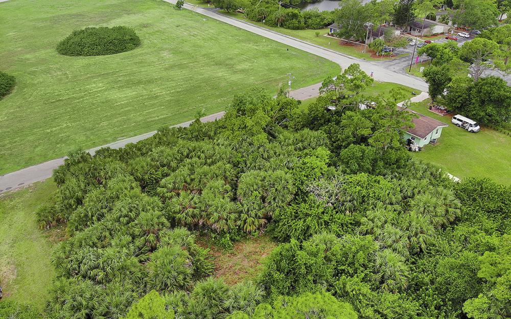 274 Professional PL, Fort Myers - Lot For Sale 945409070