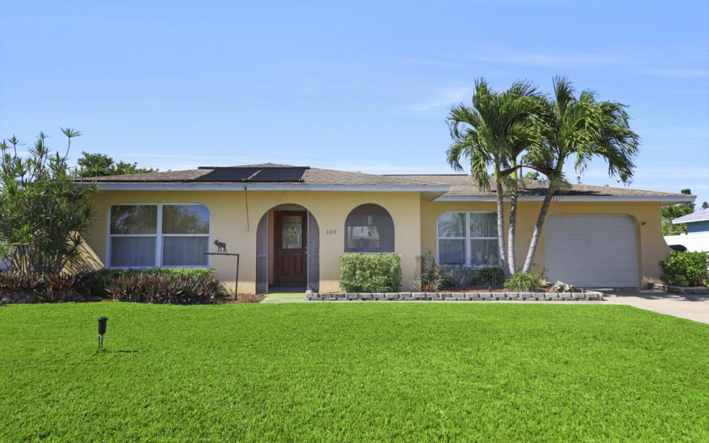 1109 SE 22nd Ter, Cape Coral - Home For Sale 2051438398