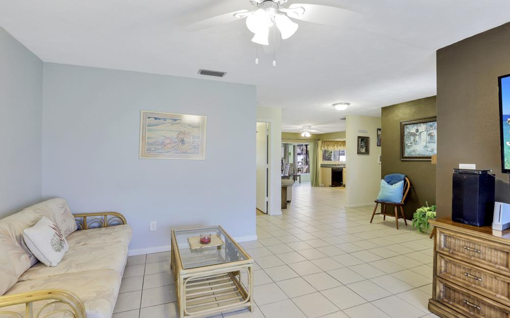 1109 SE 22nd Ter, Cape Coral - Home For Sale 2034569193