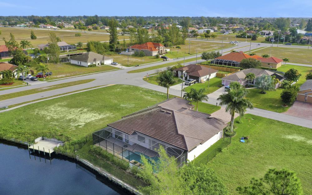 3708 SW 17th Ave, Cape Coral - Home For Sale 1427036431