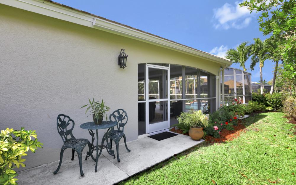 12798 Hunters Ridge Dr, Bonita Springs - Home For Sale 2133231615