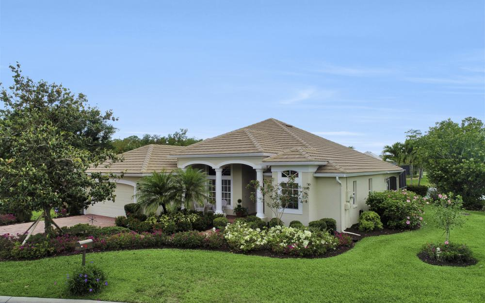 12798 Hunters Ridge Dr, Bonita Springs - Home For Sale 1544011209