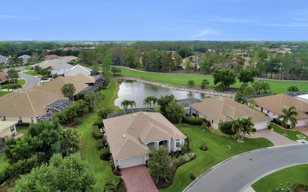 12798 Hunters Ridge Dr, Bonita Springs - Home For Sale 476545331