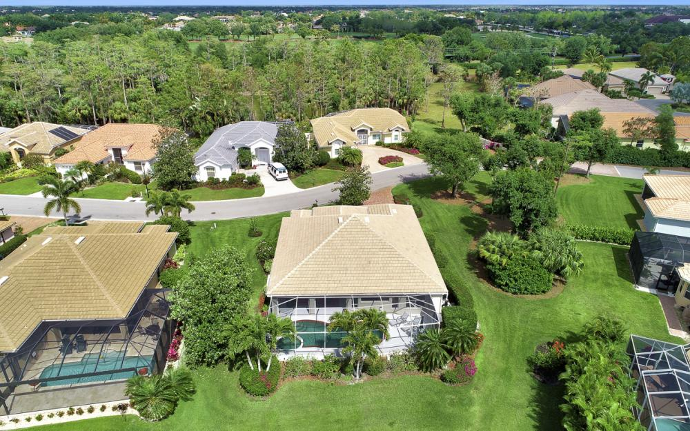 12798 Hunters Ridge Dr, Bonita Springs - Home For Sale 1738196848