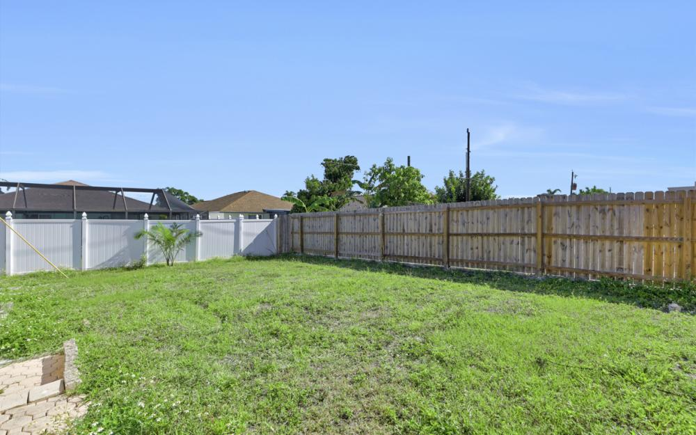 621 103rd Ave N, Naples - Home For Sale 493001854