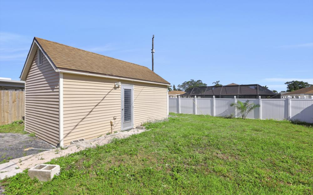 621 103rd Ave N, Naples - Home For Sale 1037963013