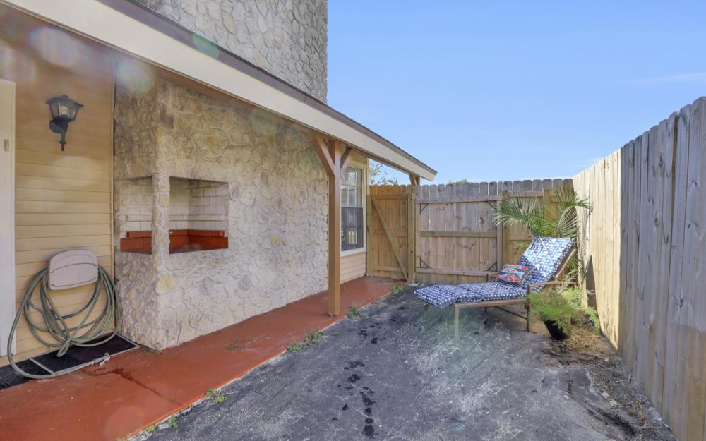621 103rd Ave N, Naples - Home For Sale 690389864