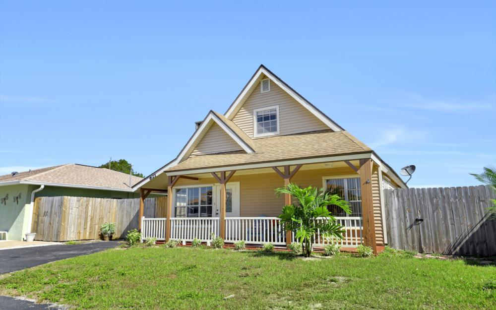 621 103rd Ave N, Naples - Home For Sale 2129234056