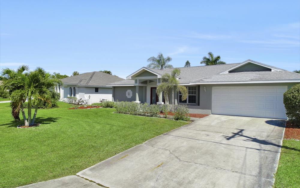 1107 El Dorado Pkwy W Cape Coral - Home For Sale 745587691