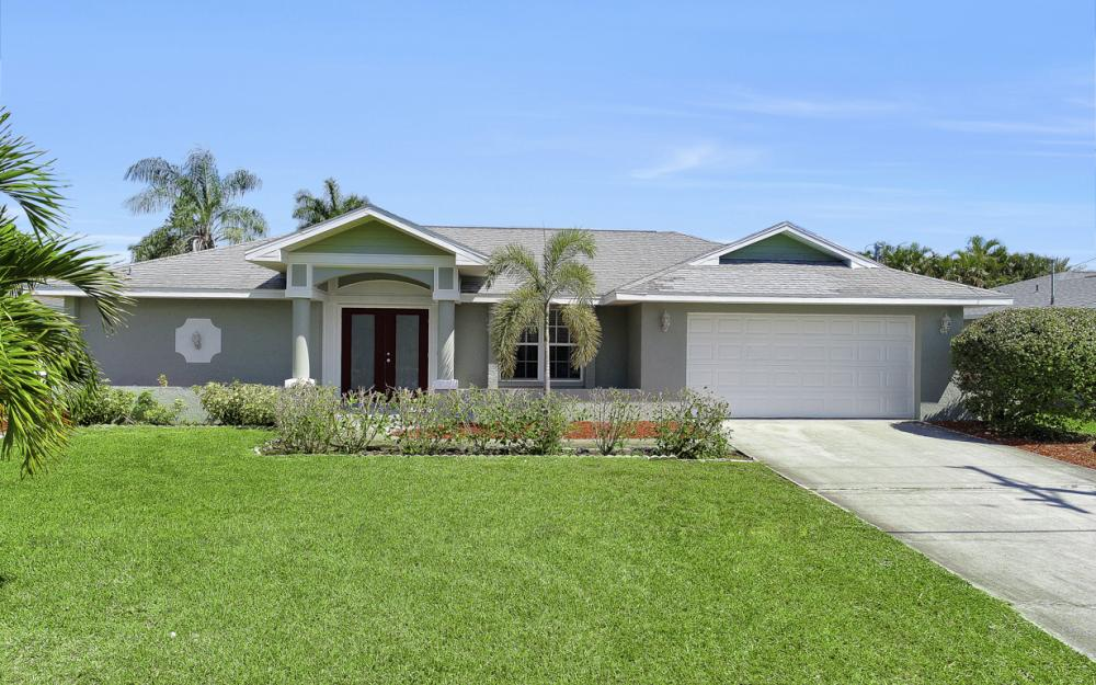 1107 El Dorado Pkwy W Cape Coral - Home For Sale 187510972