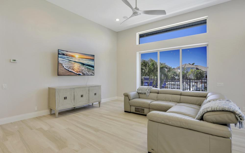 729 Hull Ct Marco Island - Home For Sale 1413226347