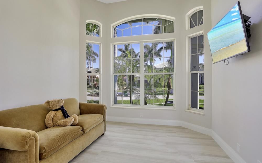 729 Hull Ct Marco Island - Home For Sale 1797092448