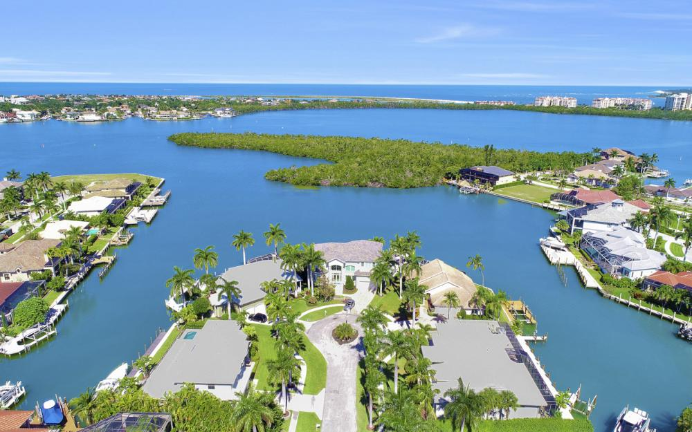 729 Hull Ct Marco Island - Home For Sale 764583581
