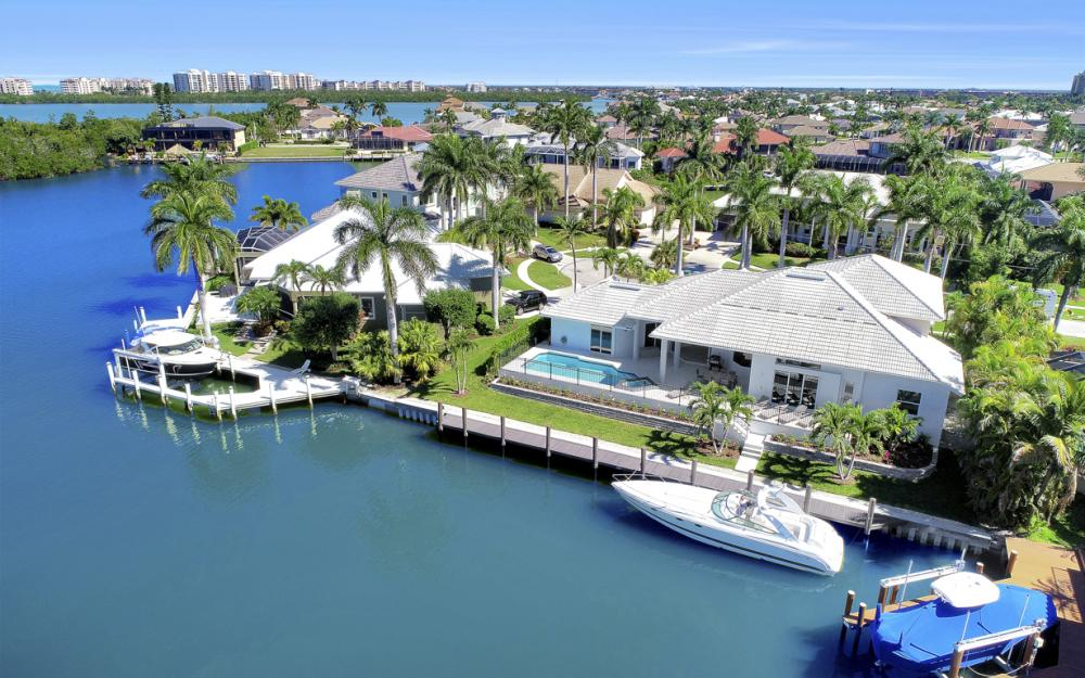 729 Hull Ct Marco Island - Home For Sale 409569943