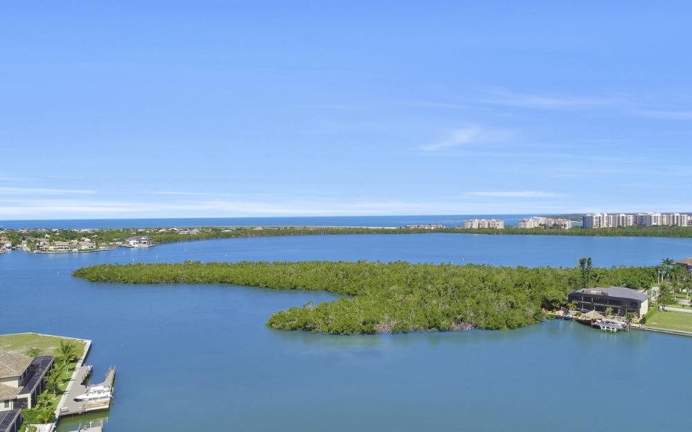 729 Hull Ct Marco Island - Home For Sale 390231496