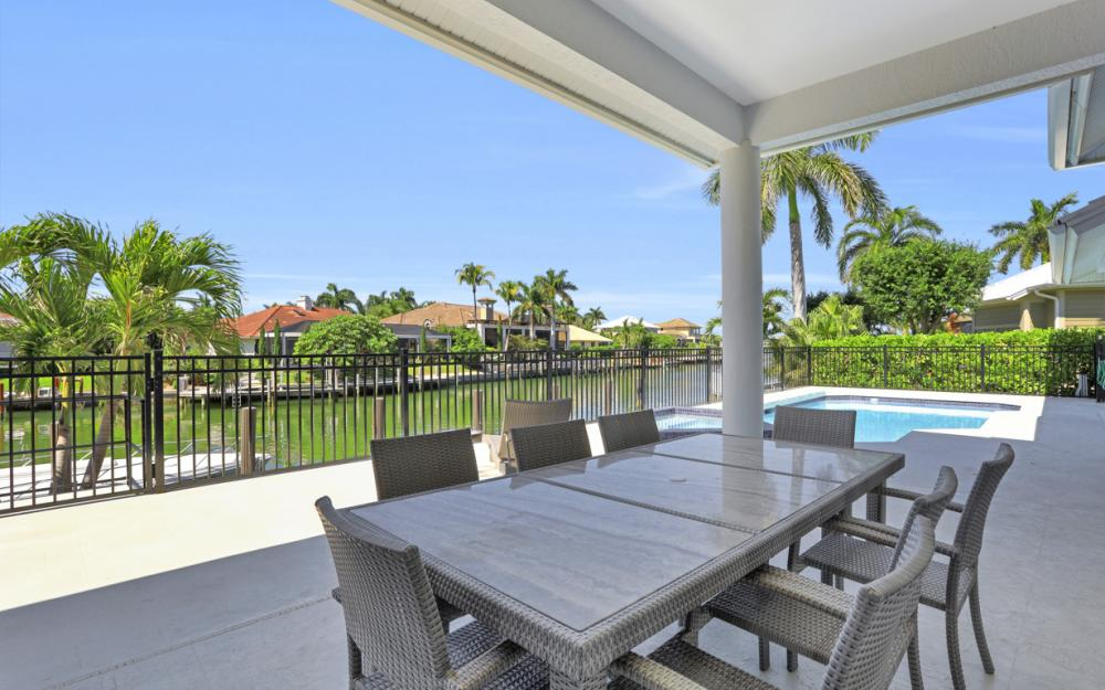 729 Hull Ct Marco Island - Home For Sale 413416070