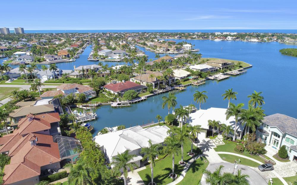 729 Hull Ct Marco Island - Home For Sale 483069221