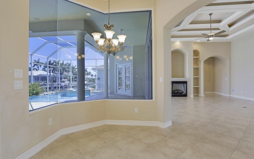 460 Maunder Ct, Marco Island - Home For Sale 1180231404