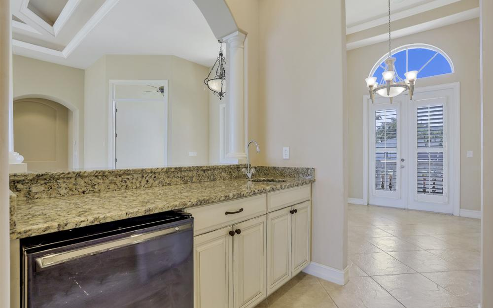 460 Maunder Ct, Marco Island - Home For Sale 788685222