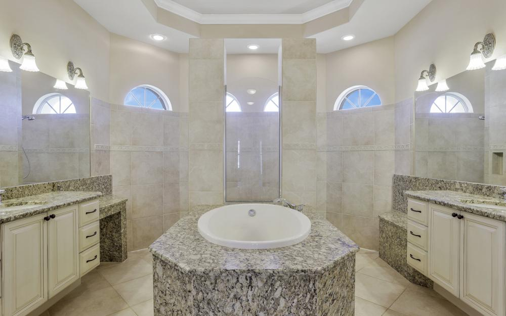 460 Maunder Ct, Marco Island - Home For Sale 2102698657