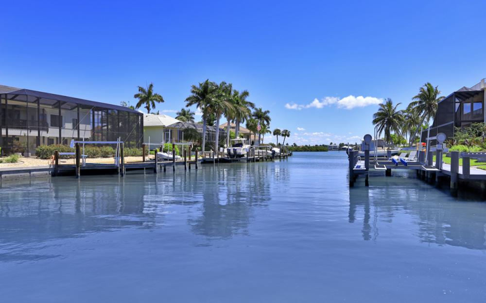 460 Maunder Ct, Marco Island - Home For Sale 825290450