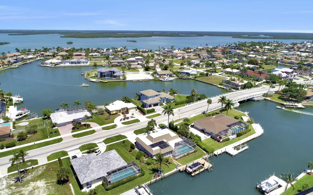 482 N Barfield Dr Marco Island - Home For Sale 1240002924