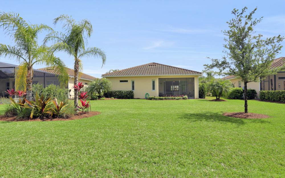 11322 Merriweather Ct Fort Myers - Home For Sale 2103909825