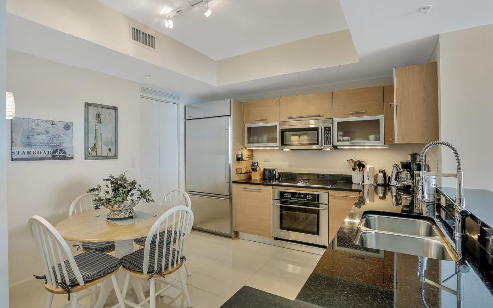 3000 Oasis Grand Blvd #1802, Fort Myers - Vacation Rental 989447410