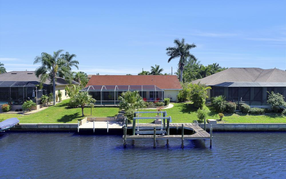1201 SW 44th St, Cape Coral - Home For Sale 347801982
