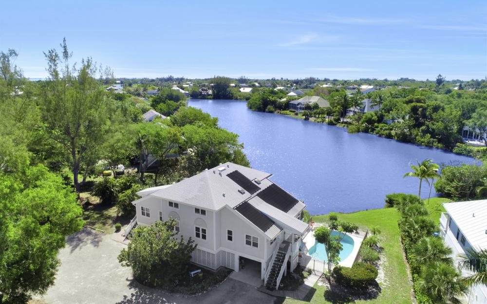 1401 Sandpiper Cir, Sanibel - Home For Sale 705220709