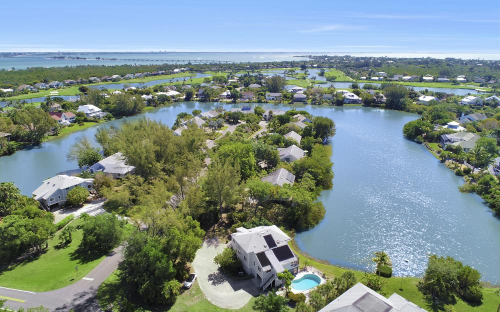 1401 Sandpiper Cir, Sanibel - Home For Sale 2127270880