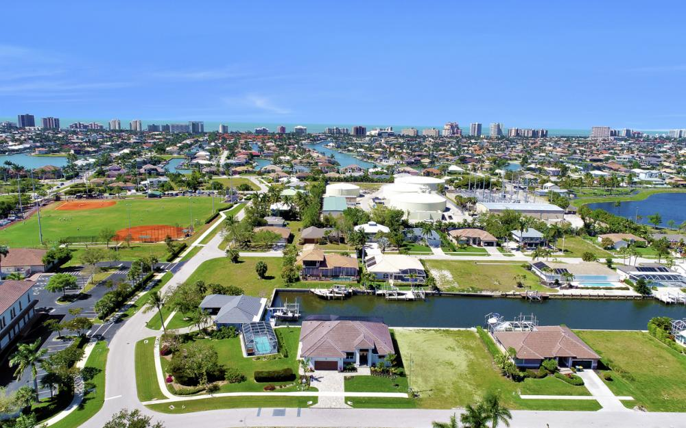 468 Barcelona Ct, Marco Island - Home For Sale 1727086375