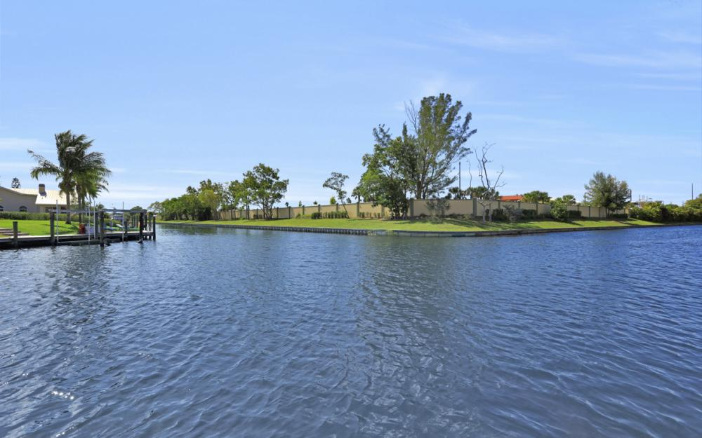 1901 SE 26th Ter, Cape Coral - Home For Sale 328414617