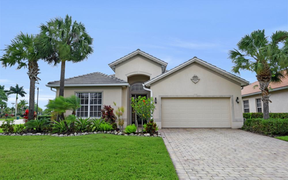 9111 Crystal Ct, Naples - Home For Sale 2145563770
