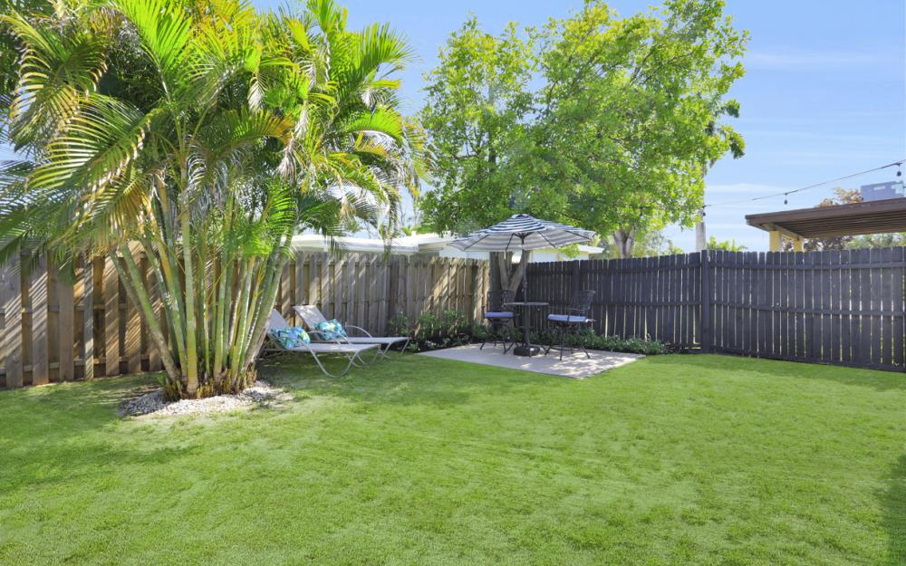 1825 Paul St, Fort Myers - Home For Sale 2098585323