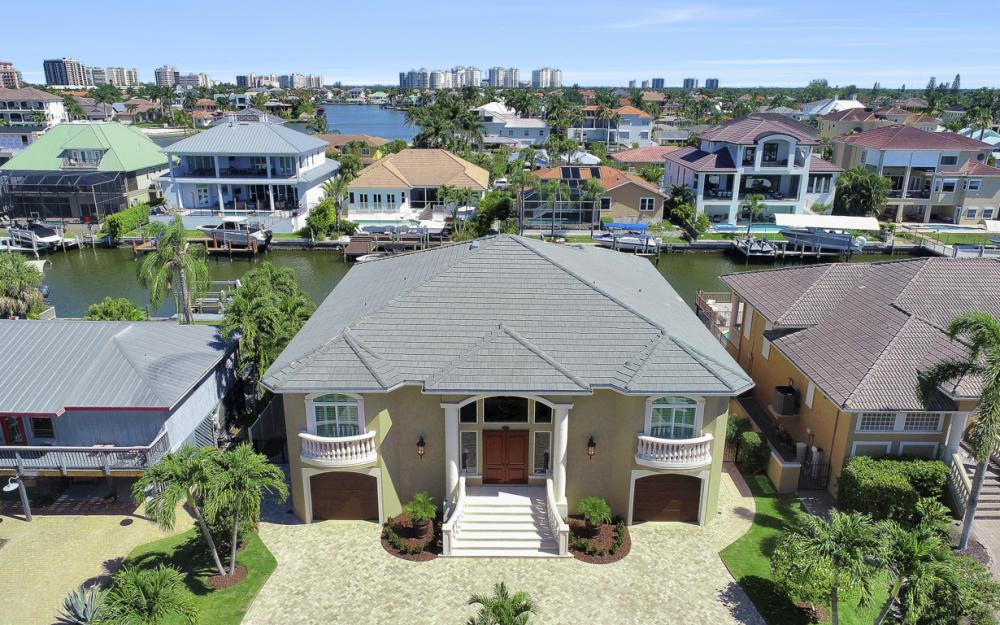 367 Lagoon Ave, Naples - Home For Sale  81798124