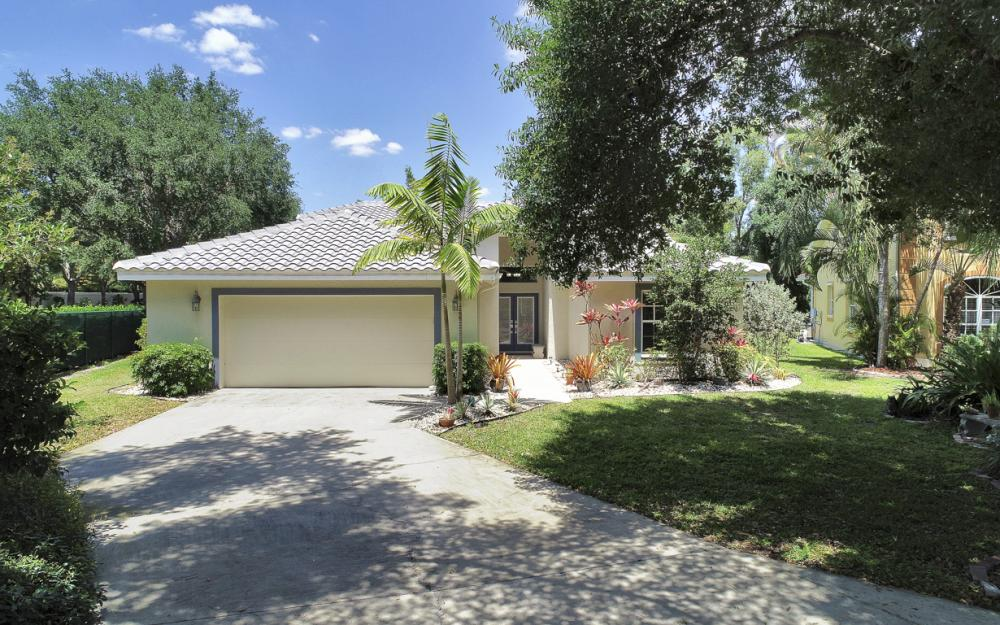 8801 Springwood Ct Bonita Springs - Home For Sale 307390089